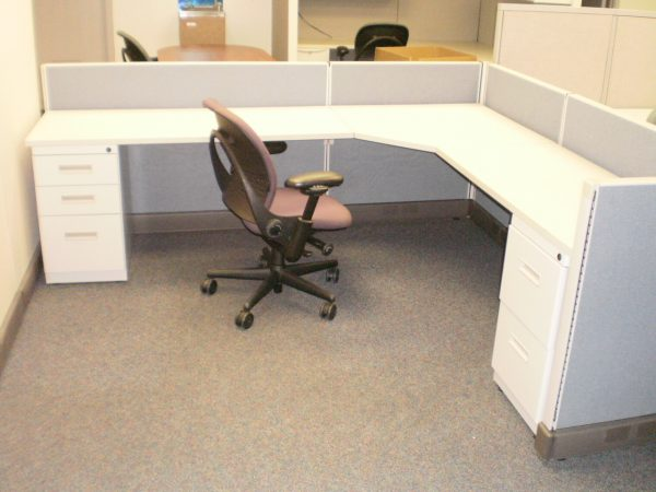 Used Herman Miller AO2 with low panels